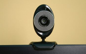 Top 5 best webcams for online call meeting during quarantine